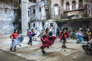 Cuba, Havanna, Yoruba women, dancing