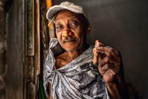 Cuba, Havanna, old man with cigar