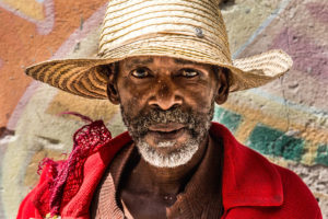 Cuba, Havanna, Man with straw hat, portrait,