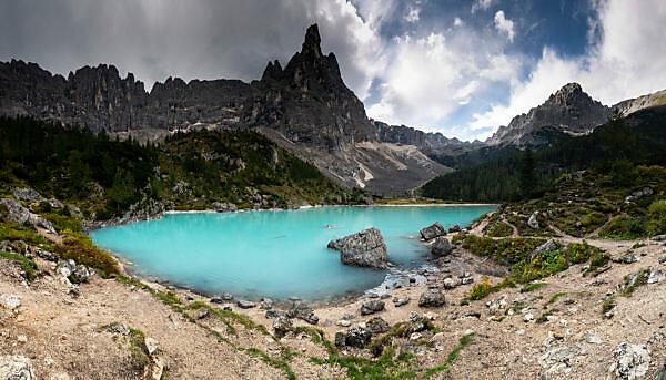 Europe, Italy, Alps, Dolomites, Mountains, Lago di Sorapiss with Dito di Dio - God's Finger
