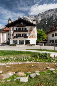 Germany, Bavaria, Mittenwald, 'Im Gries' district, Karwendel mountains