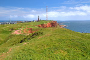 View from Pinneberg 61, 3m over the Oberland with location lighthouse and transmission tower, Heligoland, Helgoland Bay, German Bay, North Sea island, North Sea, Schleswig-Holstein, Germany