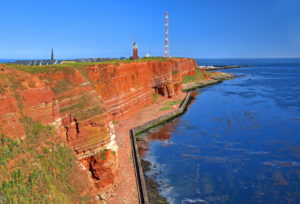 Western cliff with lighthouse and transmission tower on the Oberland, Heligoland, Heligoland Bay, German Bight, North Sea island, North Sea, Schleswig-Holstein, Germany