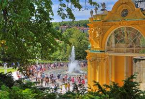 Colonade with Singender Fontaine in the spa area, Marienbad, spa triangle, Bohemia, Czech Republic