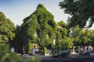 Begrüntes Gebäude, Roneburg, Hannover, Niedersachsen, Deutschland