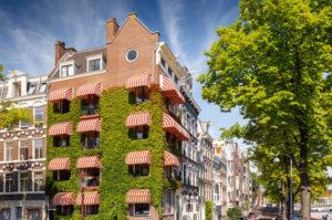 Begrünte Fassade in Amsterdam, Niederlande