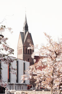 Spring in Hanover: View of the Marktkirche and the state parliament