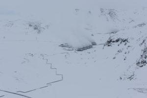 Island im tiefsten Winter aus der Vogelperspektive, Energiegewinnung im Geothermalfeld