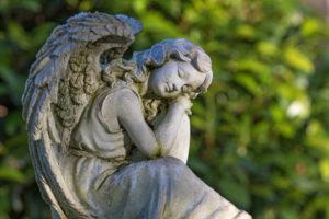 Angel figure, cemetery Aldenburg, Wilhelmshaven,