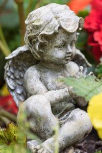 Angel figure, Ohlsdorf cemetery, Hamburg,
