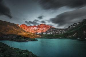 Sonnenuntergang am Schrecksee. Im Hintergrund im Alpenglühen die Lahner Scharte