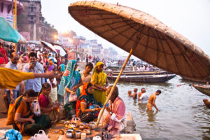 India, Varanasi, Ganges, river bank, bath in the Ganges