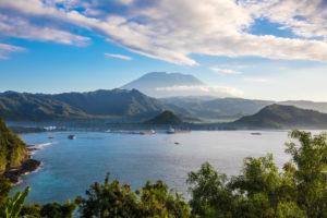 Bali, landscape, lake Danau Buyan with Mount Gunung Qatar