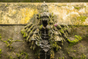 Relief in einer Tempelanlage bei Jatiluwih, Bali