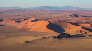 Berge und Dünen im Namib Naukluft Nationalpark