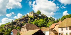 Burg Falkenstein im gleichnamigen Ort in der Pfalz im Donnersberg-Kreis, Rheinland-Pfalz, Deutschland,
