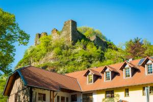Rosenburg-Ruine in Argenschwang, im Soonwald (Hunsrück) im Gräfenbachtal,