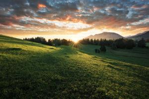 Dramatischer Sonnenaufgang im Allgäu, Bayern, Deutschland