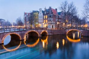 Amsterdam, Niederlande, Stadtbild, Grachten, Brücke, Lichter, Dämmerung