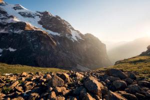 Felswand am Mättenberg bei Grindelwald, Bern, Schweiz