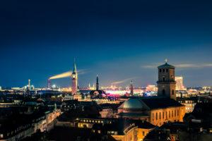 Europa, Dänemark, Kopenhagen bei Nacht