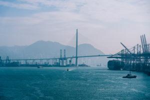 Asien, China, Hongkong, Hong Kong Island, Victoria Harbour, Stonecutters Bridge, Hafenszenerie im Container Terminal,