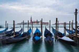 Gondeln, San Giorgio Maggiore-Kirche, Venedig, historisches Zentrum, Venetien, Italien, Norditalien, Europa
