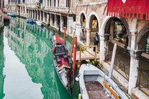 Venezianische Gondel, Kanal, Venedig, historisches Zentrum, Venetien, Italien, Norditalien, Europa