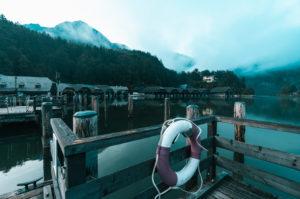 Königssee, lifebuoy, jetty of the Bavarian lakes shipping, fog, in the morning, Berchtesgadener Land, Berchtesgaden, Bavaria, Germany, Europe