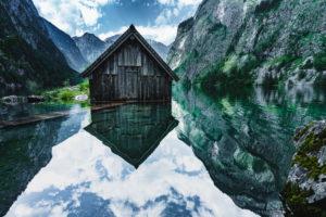 Bootshaus mit Steg, Obersee, Königssee, Berchtesgadener Land, Berchtesgaden, Bayern, Deutschland, Europa