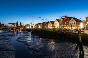 Ebbe, Hafen, Stadt Husum, Abend, blaue Stunde, Nordsee, Schleswig-Holstein, Deutschland, Europa