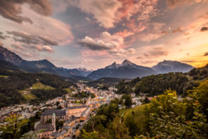 Berchtesgaden, Berchtesgadener Land, Upper Bavaria, Bavaria, Germany, Alps, mountains, Berchtesgadener Berge, Watzmann, Jenner, Hochkalter, Bavarian Alps, Berchtesgadener Alpen, landscape panorama, scenery, mountain range, locality, travel, travel destination, vacation, nobody, panorama, meadow, Clouds, sunset, Berchtesgaden National Park, summer, tourism