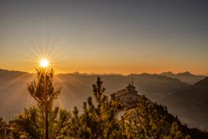 Sehenswürdigkeit Kehlsteinhaus im Sonnenuntergang, Berchtesgaden, Berchtesgadener Land, Oberbayern, Bayern,  Deutschland, Alpen, Berge, Berchtesgadener Berge,