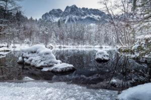 Germany, Bavaria, Bavarian alps, Grainau, Badersee and Waxensteine in winter