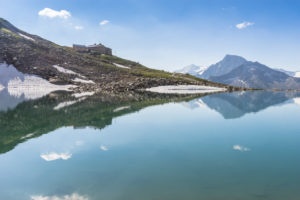 Österreich, Tirol, Zillertal, Mayrhofen, Friesenberghaus und Friesenbergsee