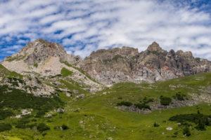 Österreich, Vorarlberg, Lechquellengebirge, Dalaas, Blick auf die Rote Wand im Lechquellengebirge