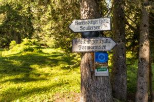 Austria, Vorarlberg, Lechquellen Mountains, Dalaas, signpost in the Lechquellen Mountains
