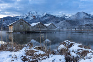 Europe, Germany, Bavaria, Schlehdorf, Kochelsee, morning mood at the wintry Kochelsee