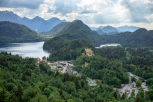 Germany, Bavaria, Hohenschwangau, view to Hohenschwangau Castle and the Alpsee