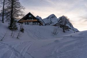 Europa, Österreich, Berchtesgadener Alpen, Salzburg, Werfen, Abendstimmung auf der Ostpreussenhütte