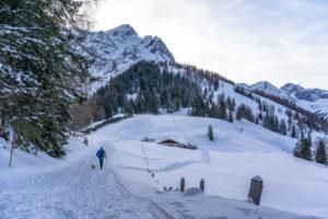 Europe, Austria, Berchtesgaden Alps, Salzburg, Werfen, Ostpreussenhütte, Blühnteckalm in a snowy winter landscape in front of Floßkogel and Alblegg