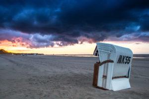 Strand mit dramatischen Wolken auf Usedom