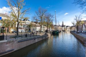 Kanal im Stadtzentrum von Groningen, Niederlande