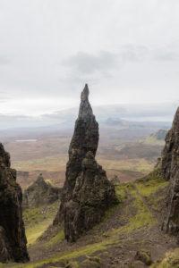 Großbritannien, Schottland, Innere Hebriden, Isle of Skye, Trotternish, Quiraing, Abenteuerliche Landschaft mit The Needle