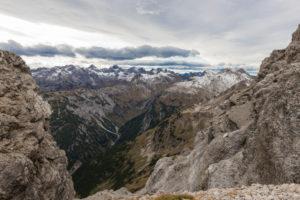 Deutschland, Bayern, Allgäu, Bad Hindelang, Blick vom Kalten Winkel am Hochvogel in die Allgäuer Alpen