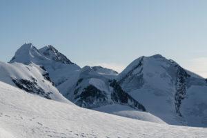 Schweiz, Wallis, Zermatt, Blick vom Breithornplateau auf Liskamm West- und Ostgipfel sowie Zwillinge Pollux und Castor