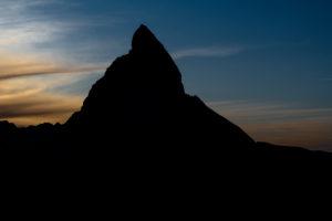 Schweiz, Wallis, Zermatt, Pyramide des Matterhorn im Abendlicht