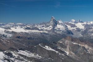 Schweiz, Kanton Wallis, Saastal, Saas-Fee, Blick vom  Allalinhorn auf Matterhorn, Dent d'Herens, Mont Blanc, Grand Combin