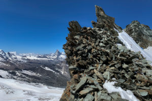 Schweiz, Kanton Wallis, Saastal, Saas-Fee, Blick vom  Feejoch auf Matterhorn und Breithorn