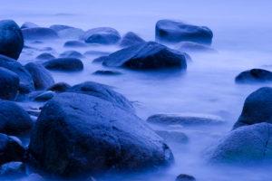 blaue Stunde, Ostseeküste bei Lohme, Nationalpark Jasmund, Rügen, Mecklenburg-Vorpommern, Deutschland